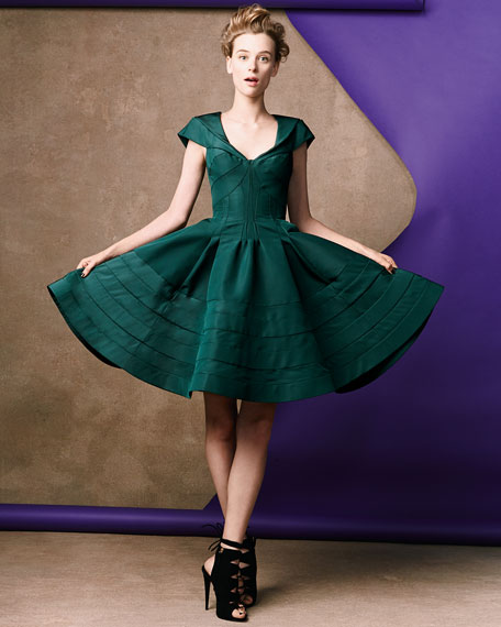 V-Neck Flare Dress, Green