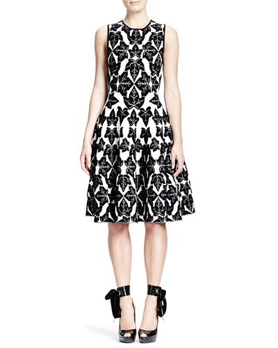Alexander McQueen Sleeveless Fit-and-Flare Ivy-Pattern Dress, Vanilla/Black