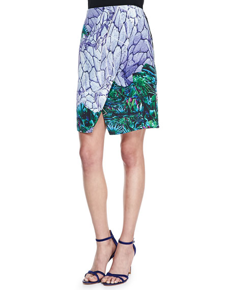 Locked Notched Printed Skirt