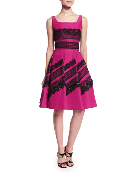 Oscar de la Renta Sleeveless Embellished-Lace Dress, Magenta/Black