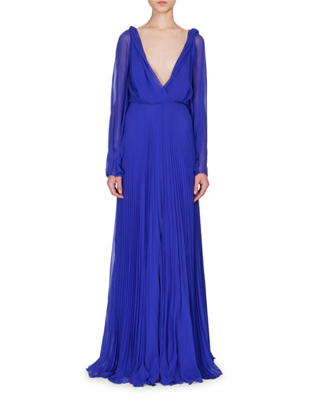 Victoria Beckham Gown & Earings