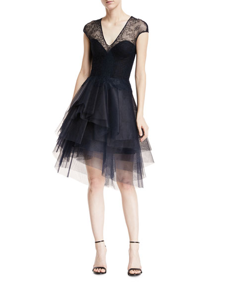 Monique Lhuillier Plunging Cap-Sleeve Chantilly-Lace Dress with