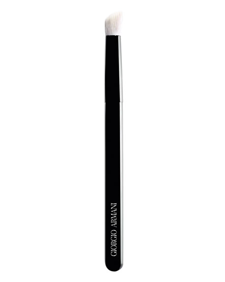 Giorgio Armani Large Maestro Contouring Eye Brush