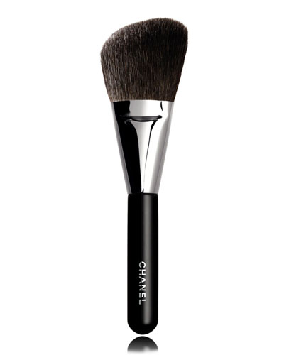<B>PINCEAU POUDRE BISEAUT&#201;</b><BR>Angled Powder Brush #2