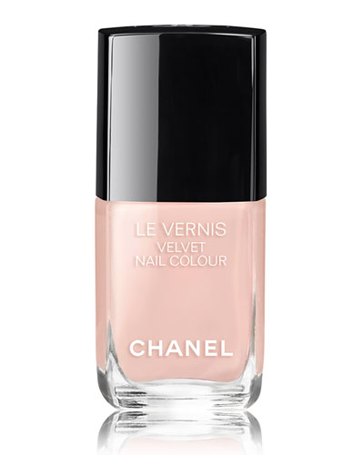 <b>LE VERNIS VELVET- COLLECTION LIBRE</b><br>Longwear Nail Colour