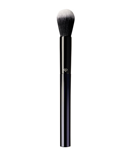 Cle de Peau Beaute Brush (Powder & Cream