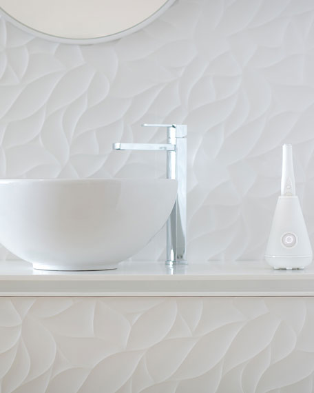 Aura Clean Toothbrush & Cleaning Station, White