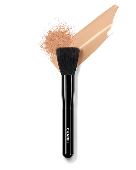 <b>LES PINCEAUX DE CHANEL </b><br>FOUNDATION-BLENDING BRUSH
