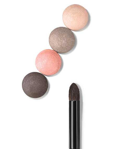 <b>LES PINCEAUX DE CHANEL</b> <br>EYESHADOW-BLENDING BRUSH