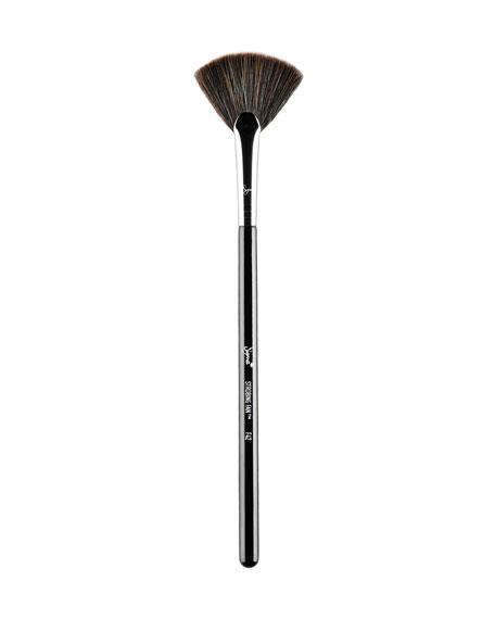 Sigma Beauty F42 ?? Strobing Fan