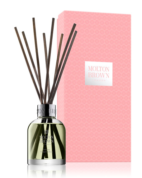 Delicious Rhubarb & Rose Aroma Reeds, 5 oz./ 148 mL