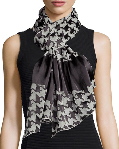 Macro Houndstooth Stole, White/Black
