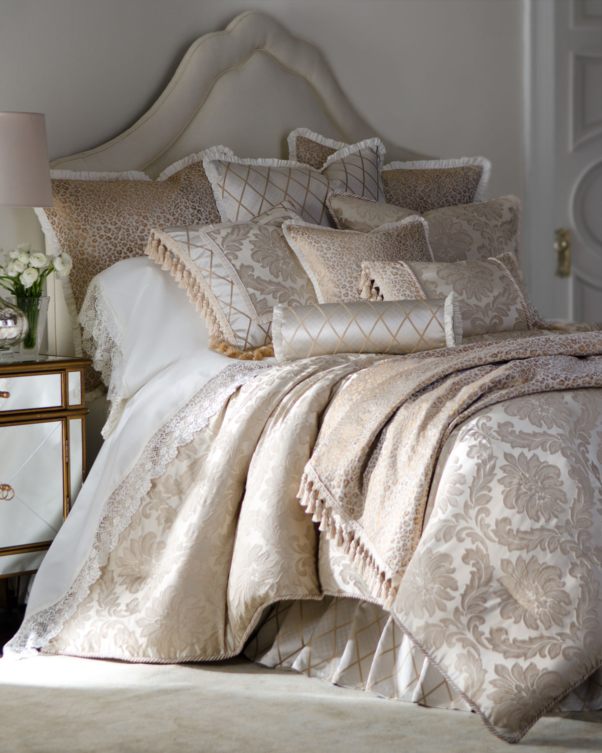 Darby Queen Damask Duvet Cover