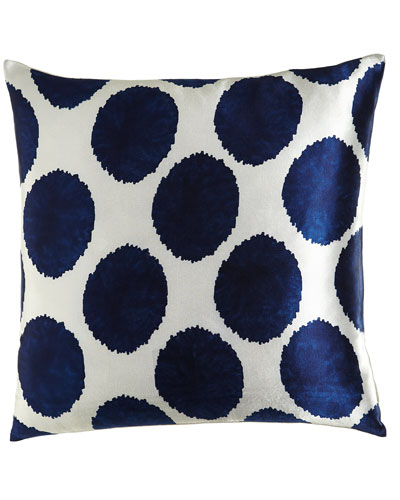 Manta Dot Pillow