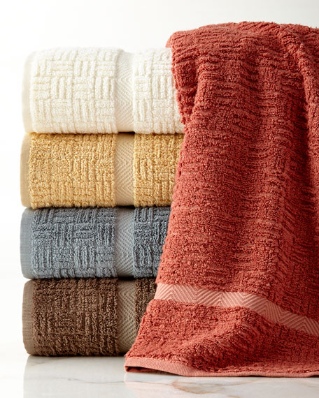 NANDINA Savari Bath Towel