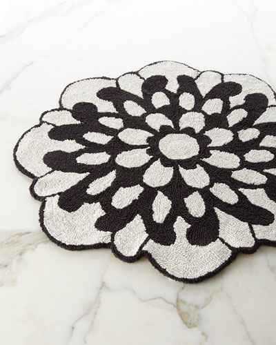 Otil Reversible Flower-Shaped Bath Rug