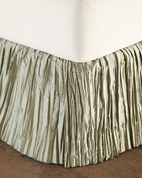 King Rochelle Dust Skirt