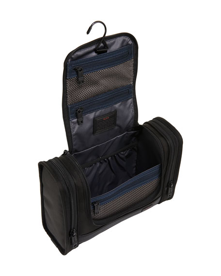 Black Alpha 2 Hanging Travel Kit