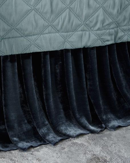 Queen/King Selena Velvet Dust Skirt