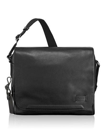 Black Davenport Messenger