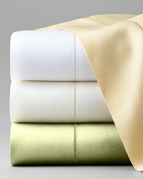Queen Classic Sateen 590 Thread Count Flat Sheet
