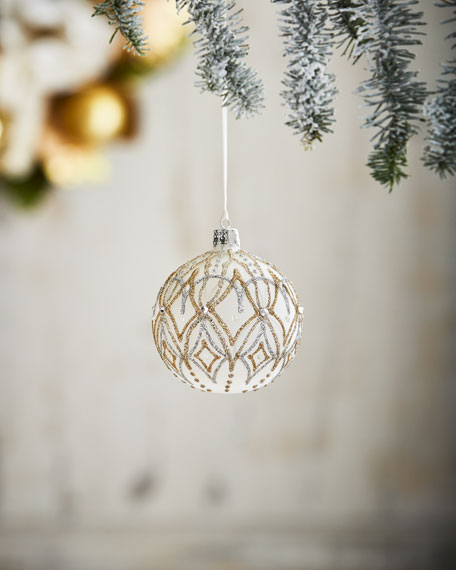 White & Silver Collection Diamond-Pattern Frosted Ornament