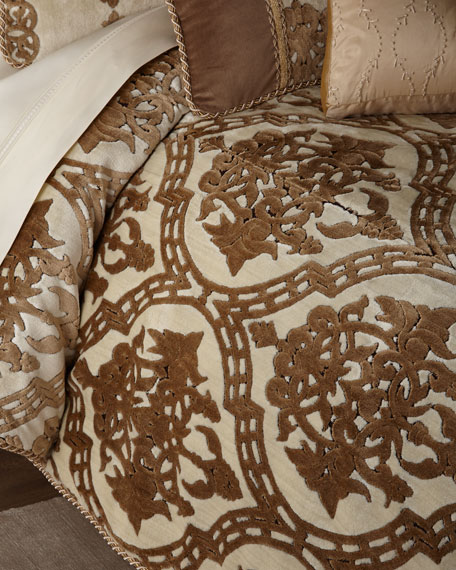Austin Horn Classics Versaille European Sham and Matching