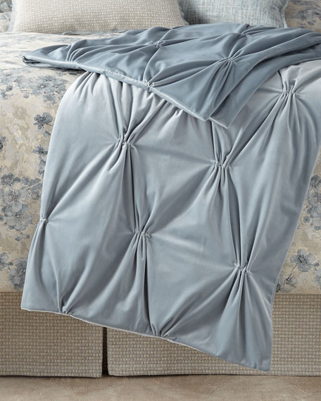 Fino Lino Linen & Lace Marilyn Velvet Throw