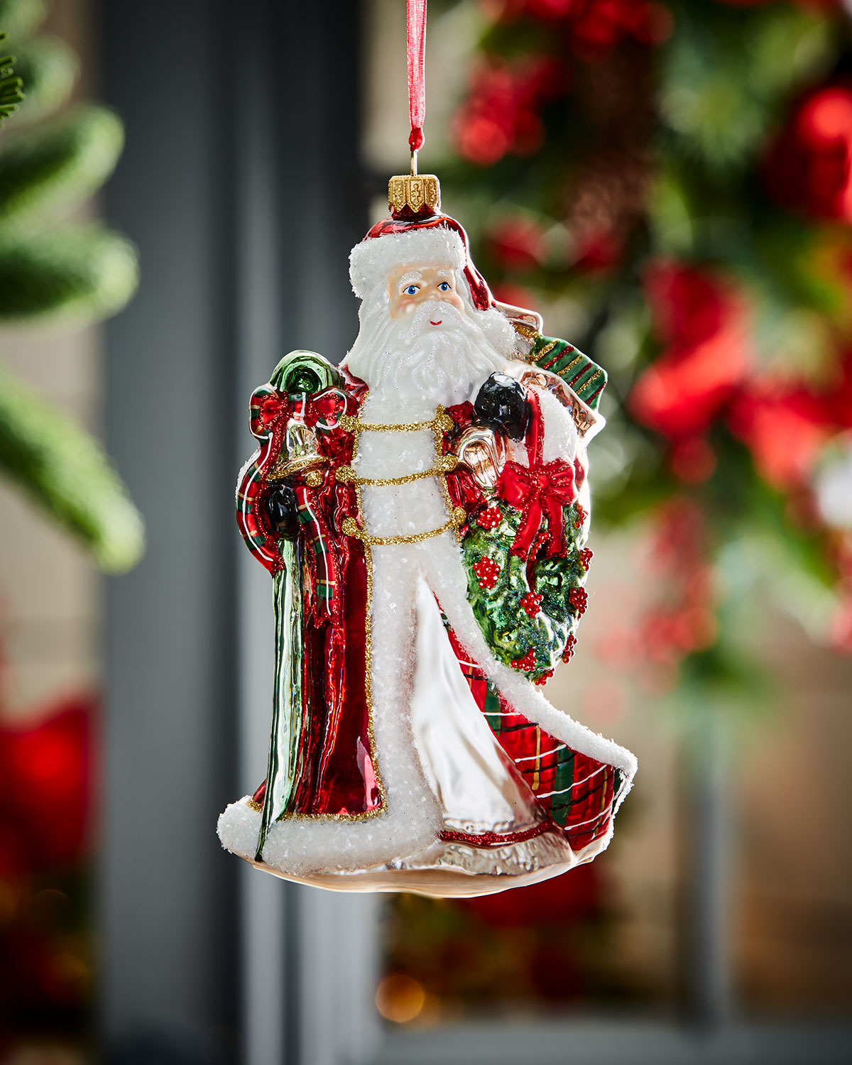 Wedding Gift Stores Nyc: Santa With Wreath Christmas Ornament