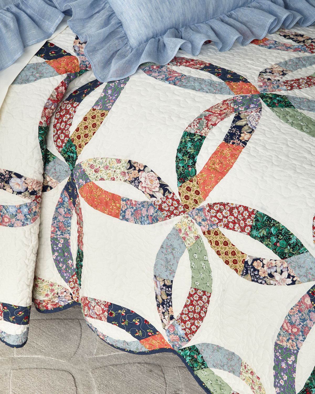 Heritage Wedding Ring Queen Quilt Set