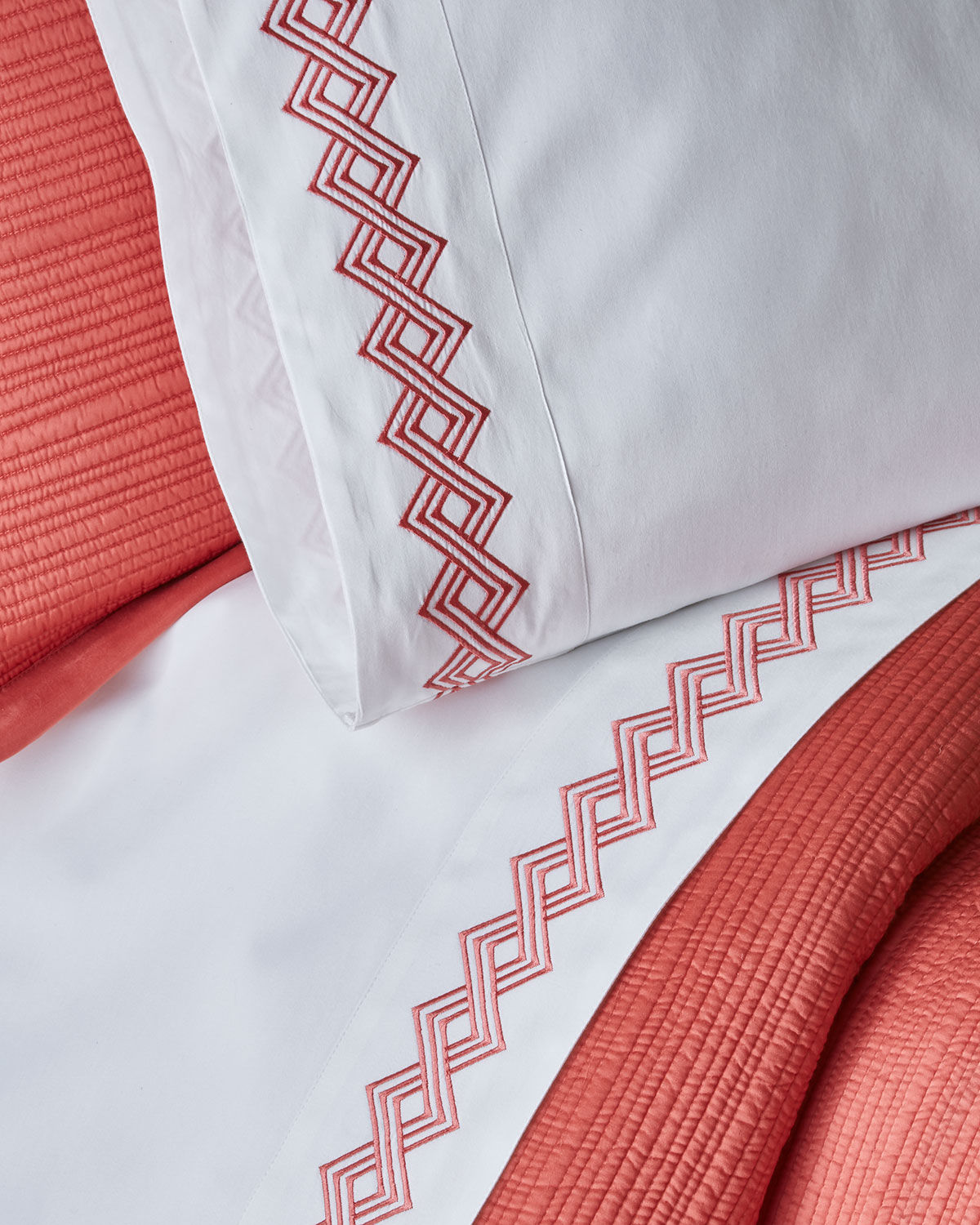 Amity Home Amalfi Queen Embroidered Sheet Set