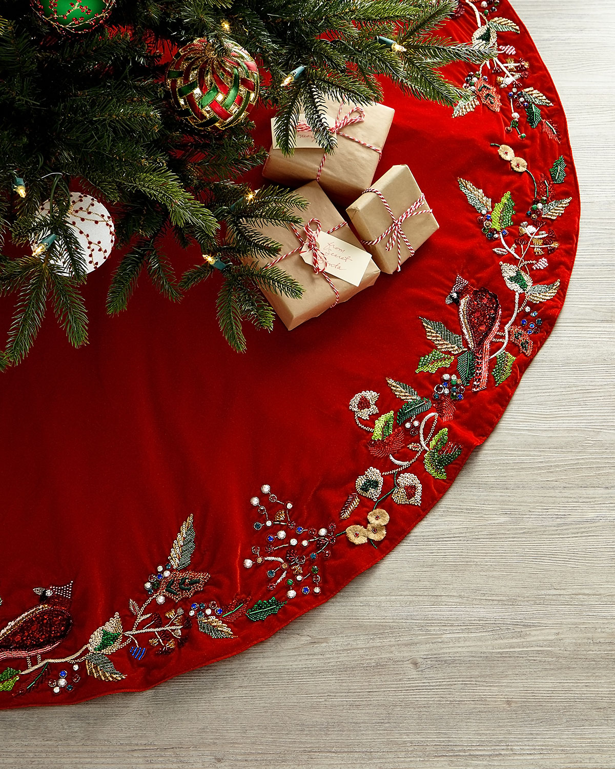Exclusive Cardinal Classic Tree Skirt