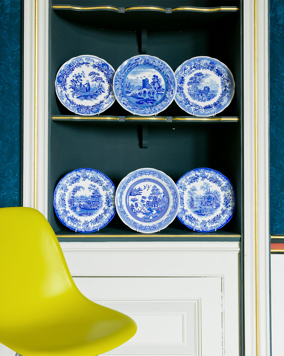 Spode Blue Room Zoological Plate Set