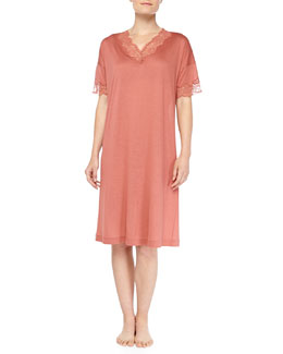 Hanro Uptown Lace-Trimmed Short Nightgown, Blush