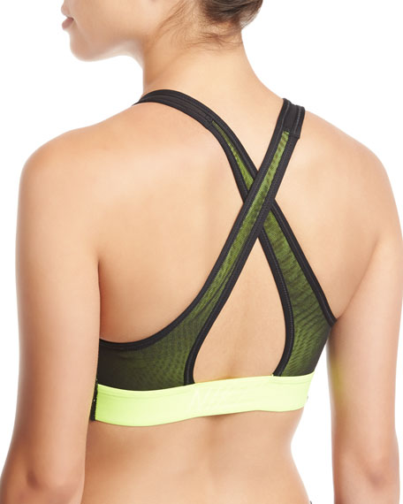 Classic Swoosh Medium Support Performance Sports Bra