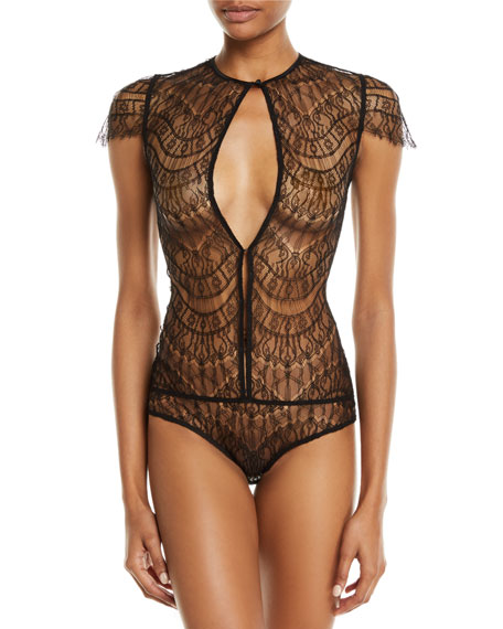 KIKI DE MONTPARNASSE Allover Cap-Sleeve Lace Bodysuit in Black