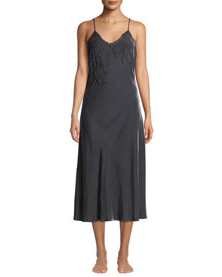 Vivis DORIANA VELOUR AND LACE NIGHTGOWN