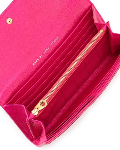 Classic Q Continental Wallet, Pop Pink
