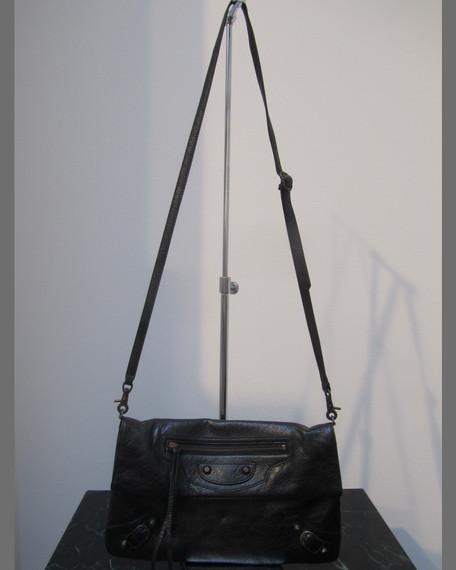 Giant 12 Golden Flat Crossbody Bag, Black