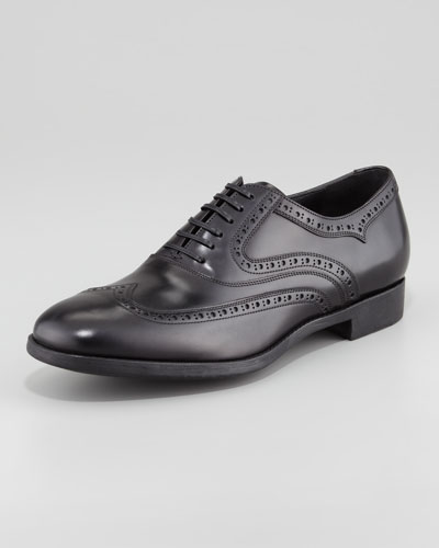 Salvatore Ferragamo Sinesio Shiny Leather Wing-Tip, Black
