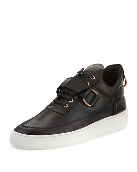 Low-Top Clasp Sneakers, Black