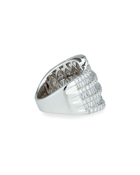 18k White Gold Round and Baguette Diamond Ring