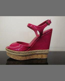 Gucci Patent Leather Espadrille Wedge, Fuchsia