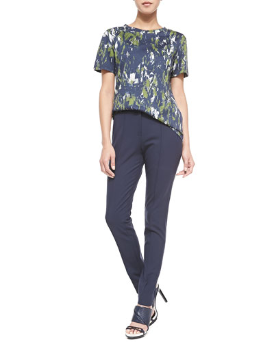 Short-Sleeve Printed Tee & Structured Low-Rise Stovepipe Pants