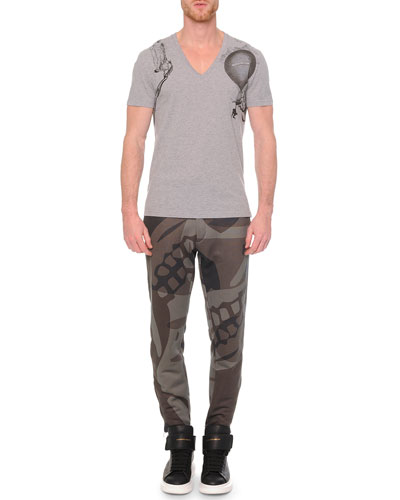 V-Neck Printed Tee & Woven Camo-Print Sweatpants