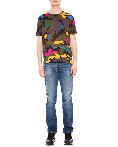 Camo-Print Crewneck Tee & Chino-Fit Straight Denim Jeans