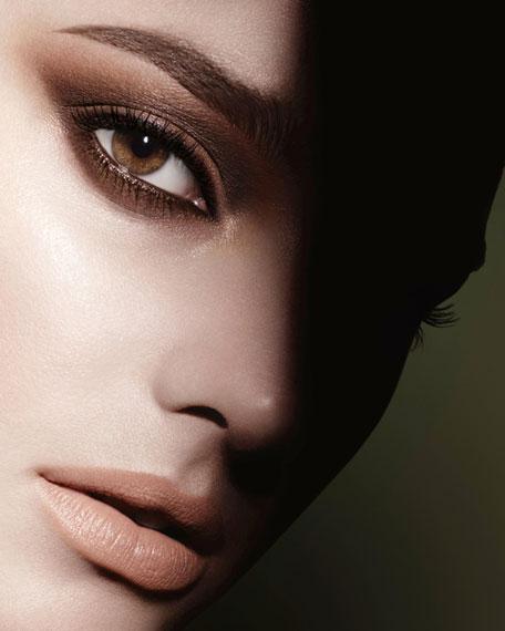 <b>ILLUSION D'OMBRE VELVET</b><BR>Long Wear Luminous Matte Eyeshadow