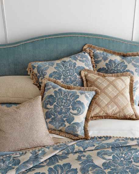 Mallory Queen Bed
