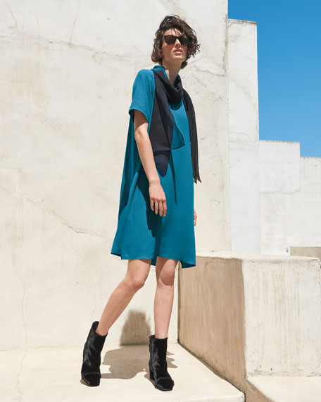 Crinkle Crepe Round-Neck Short-Sleeve Dress, Petite