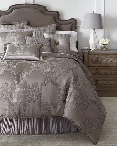 Luxury Comforter Sets Amp Comforters At Neiman Marcus